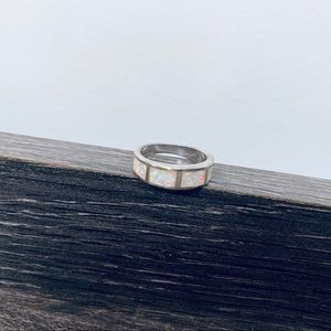 Vintage wedding band w opalescence inlay